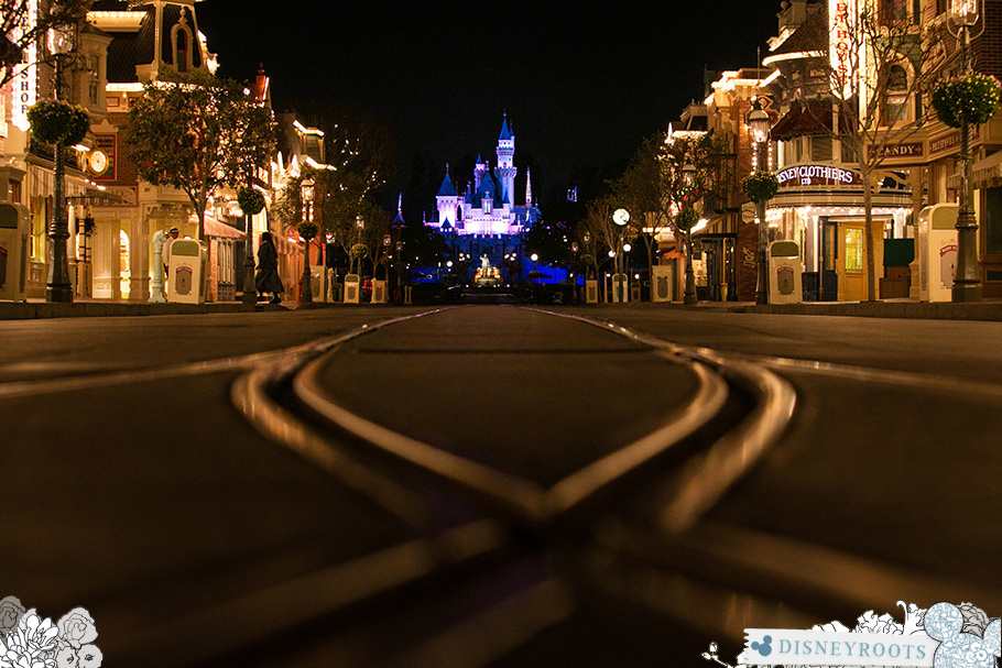 Disneyland Main Street at Night : Sleeping Beauty Castle