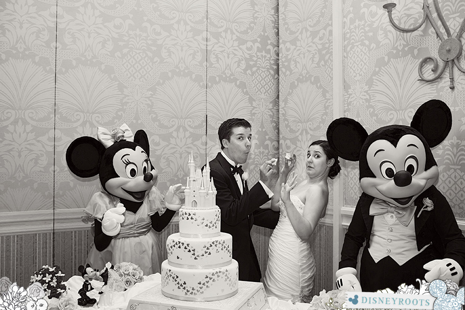 Disney Wedding Mickey Minnie Cake Cutting